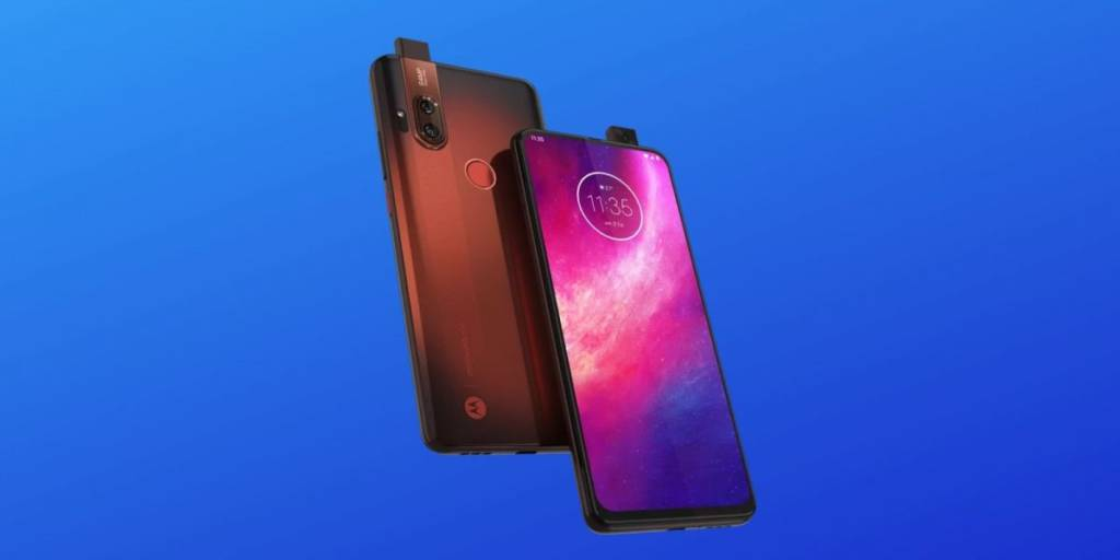 Motorola One Hyper, lo smartphone con fotocamera da selfie a comparsa