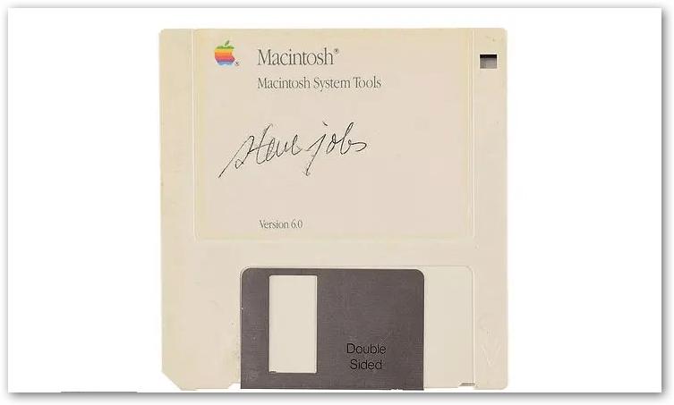 floppy disk firmato Steve Jobs