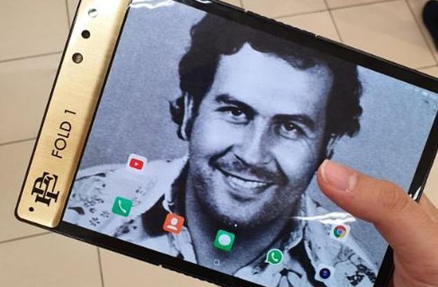 smartphone Escobar Fold 1