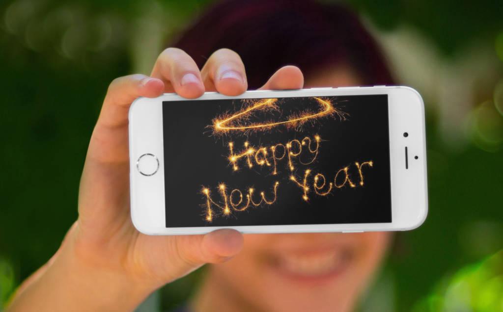 Smartphone a Capodanno, gli usi più diffusi e più odiati