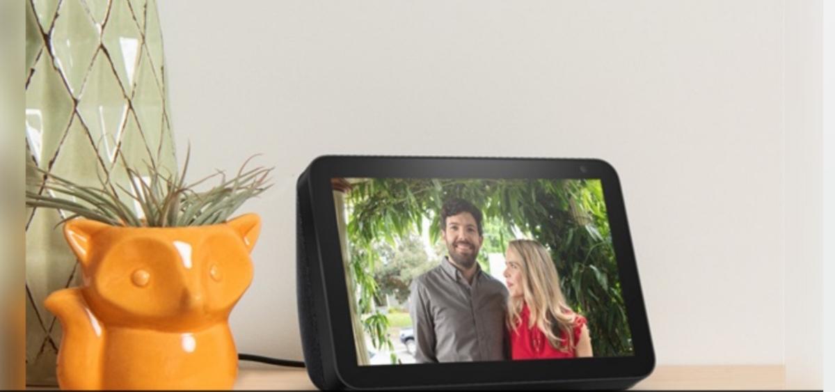 Amazon Echo Show 8, schermo da 8 pollici e audio potente