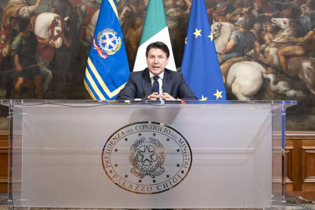 Giuseppe Conte attività produttive chiuse 21 marzo