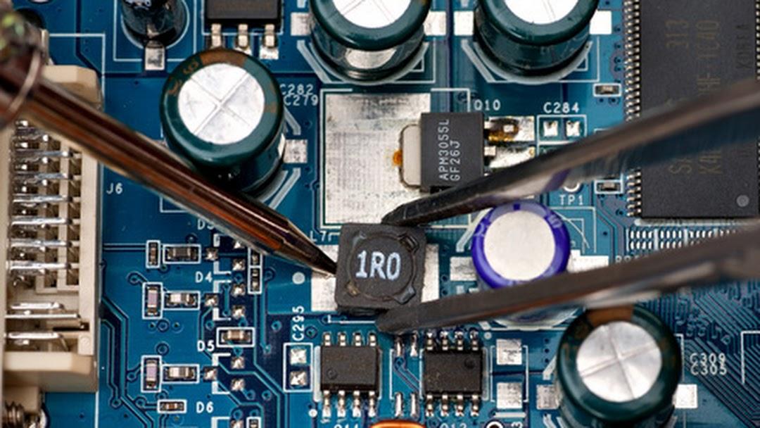attività di riparazione elettronica