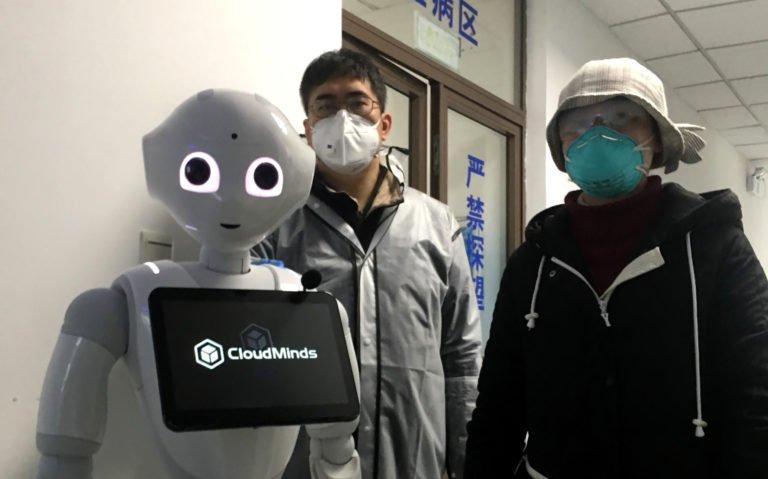 robot per combattere il coronavirus
