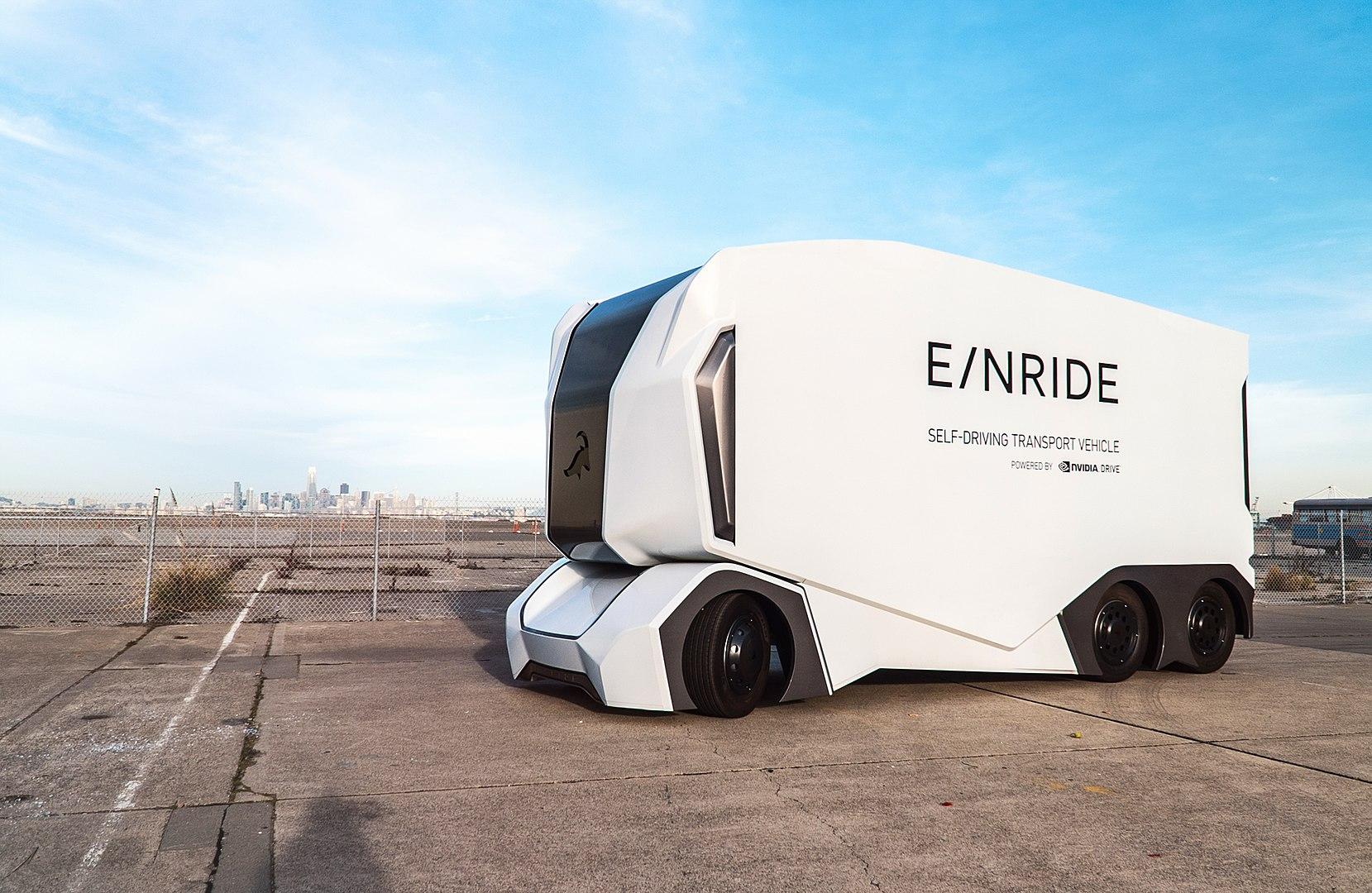 I camion del futuro di Einride, con gli autisti da casa