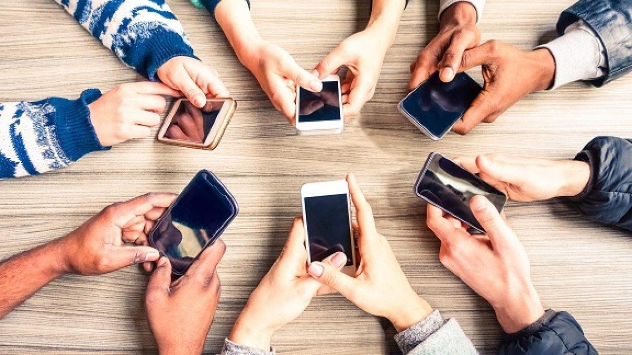 Telefono di cittadinanza: arriva il bonus smartphone per redditi inferiori a 20.000 euro