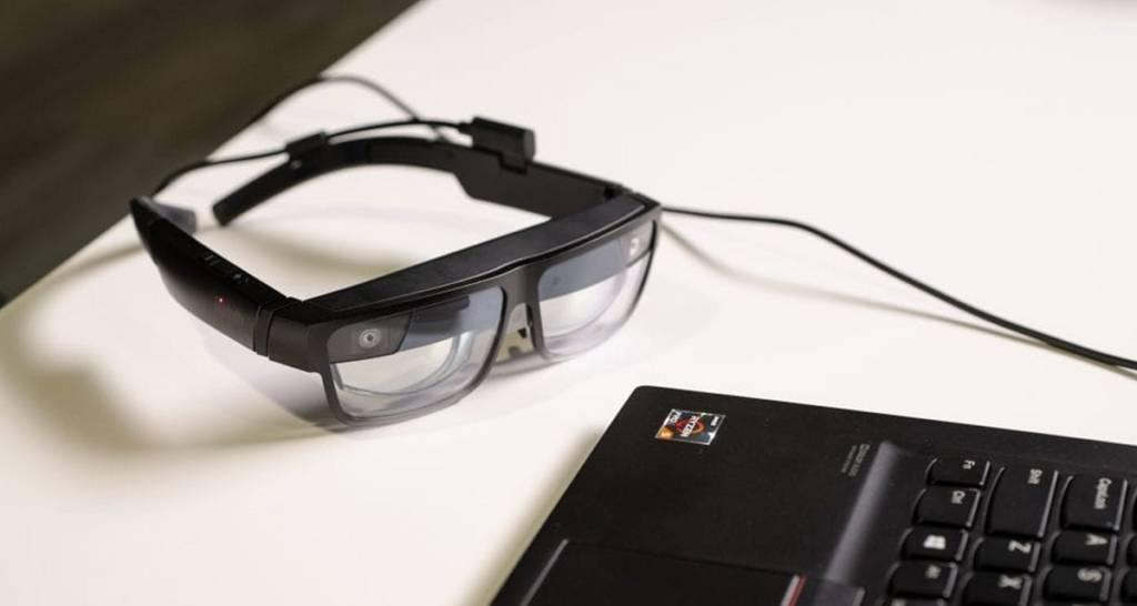 "Occhiali ""smart"" ThinkReality A3 di Lenovo"