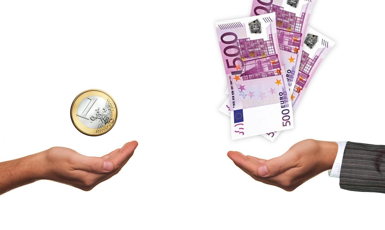 Calcolo Stipendio medio settore creativo & tecnologia